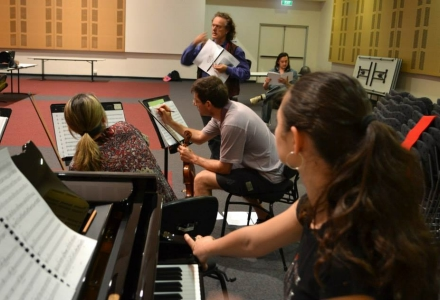 Langbein String Quartet, Marianna Grynchuk and Gareth Chin in rehearsal with Quincy Grant